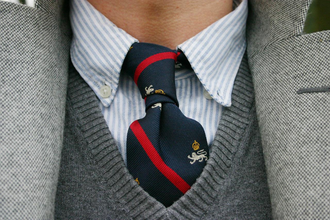 Chemise-oxford-preppy-cravatte-lecatalog.com