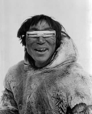 Lunette-de-soleil-inuit-lecatalog.com