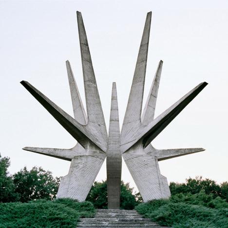 Jan-Kempenaers-Spomenik-1-lecatalog.com