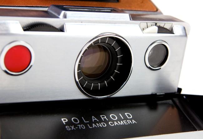 Laissez, Charles et Ray Eames, vous convaincre d acheter un Polaroid SX-70. ecf44071be35