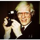Une porte ouverte sur des archives exclusives d'Andy Warhol.