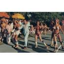 Bikini girls, luxe et mauvais goût, c'est la Playboy's Roller Disco & Pajama Party