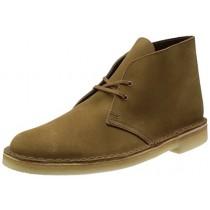 Les Desert boots de chez Clarks.