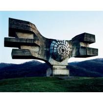 Quand Jan Kempenaers, transcende les ruines du socialisme yougoslave.