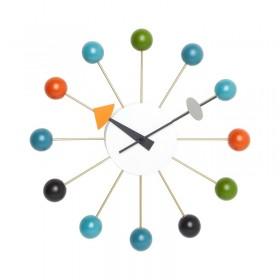 L'horloge Ball Clock de George Nelson signée Vitra.