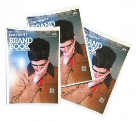 Carhartt  Une marque intemporelle et durable, comme le papier de son  Brandbook. 55aa856925c