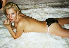 Kate Moss by Mario Testino, des photos inédites.