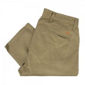 Le Pantalon Chino Slim Tapered Alpha Khaki de chez Dockers
