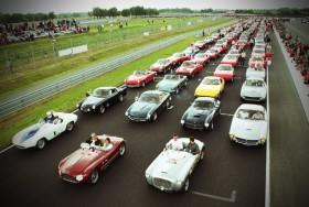 Sport et Collection « 500 Ferrari pour lutter contre le cancer ».