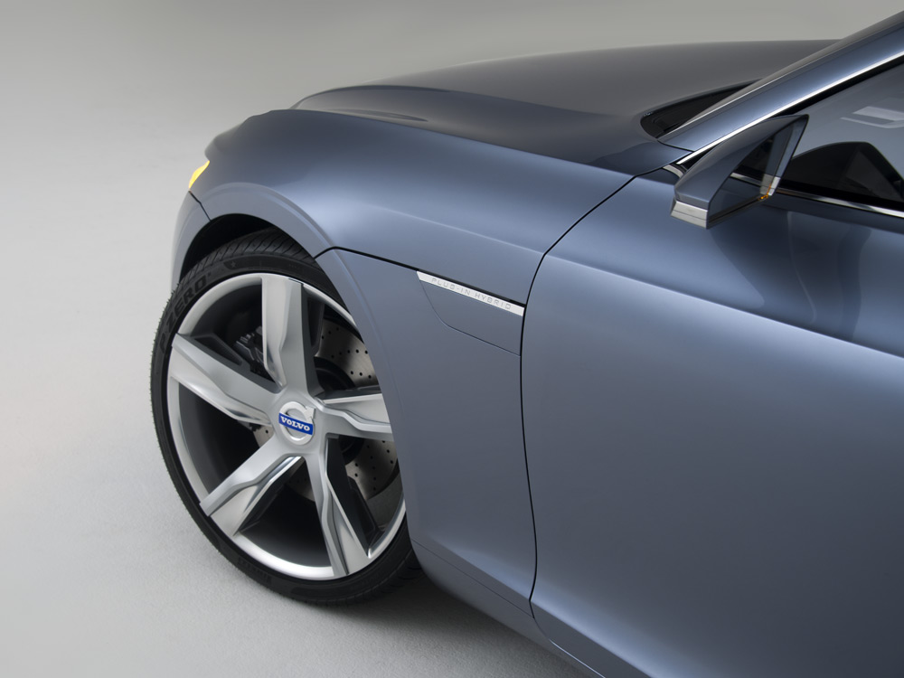 Volvo-Concept-Coupe-2-lecatalog.com