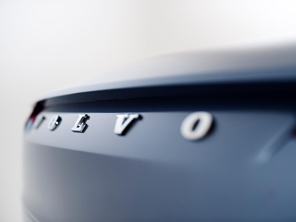 Volvo-Concept-Coupe-8-lecatalog.com