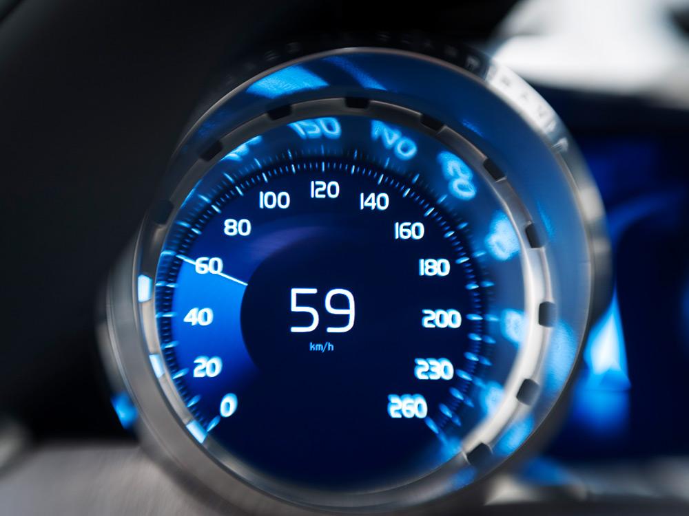 Volvo-Concept-Coupe-9-lecatalog.com