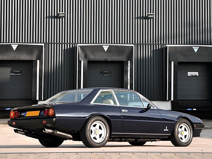 Ferrari-400-i-Berline-Ferrari