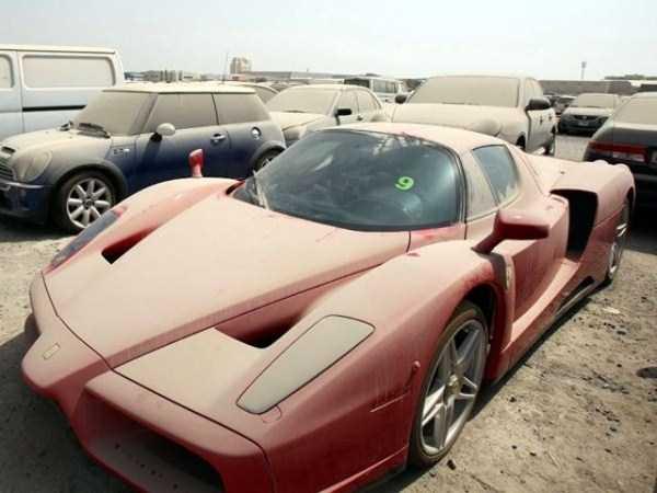 Belles endormies peuplent les rues de Dubai